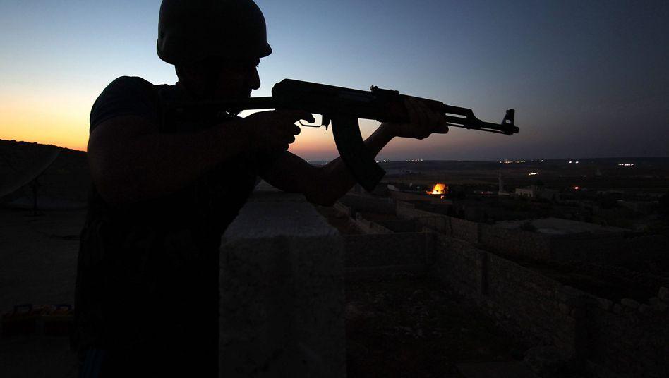 Kämpfer in Syrien: Waffen vom Schwarzmarkt