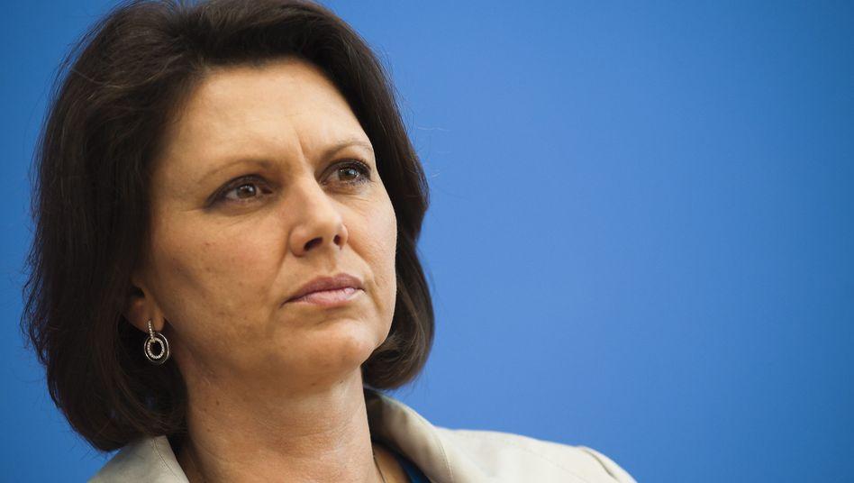 """Bundesverbraucherministerin Ilse Aigner: """"Datenschutz für alle Nutzer verbessern"""""""