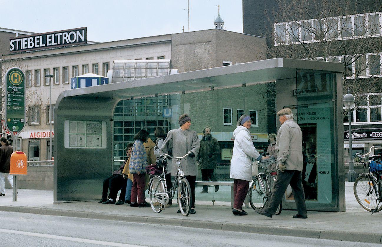 JM-Ustra-1992-Bus Stop 3