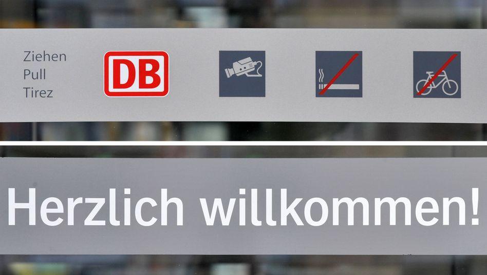 """""""Herzlich Willkommen"""" am Dresdner Hauptbahnhof: Fremdsprachen überall"""