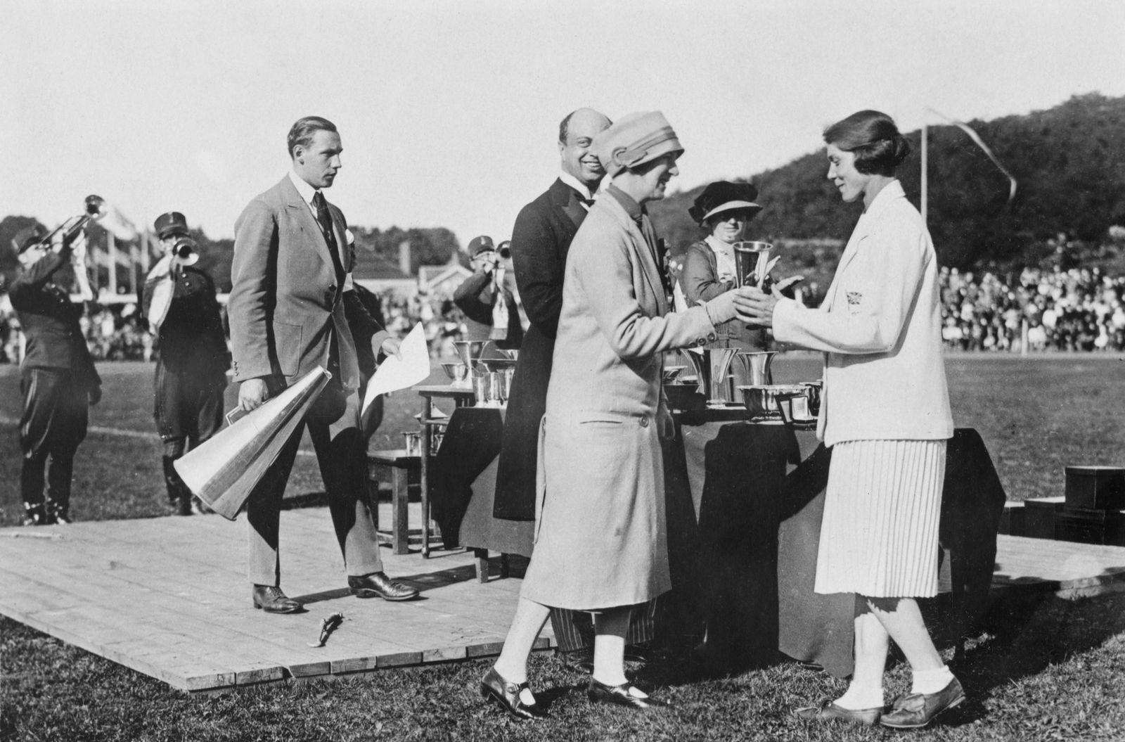 1926 Women's World Games - Prize Giving