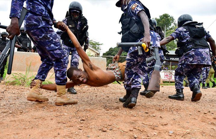 Festnahme eines Bobi-Wine-Unterstützers
