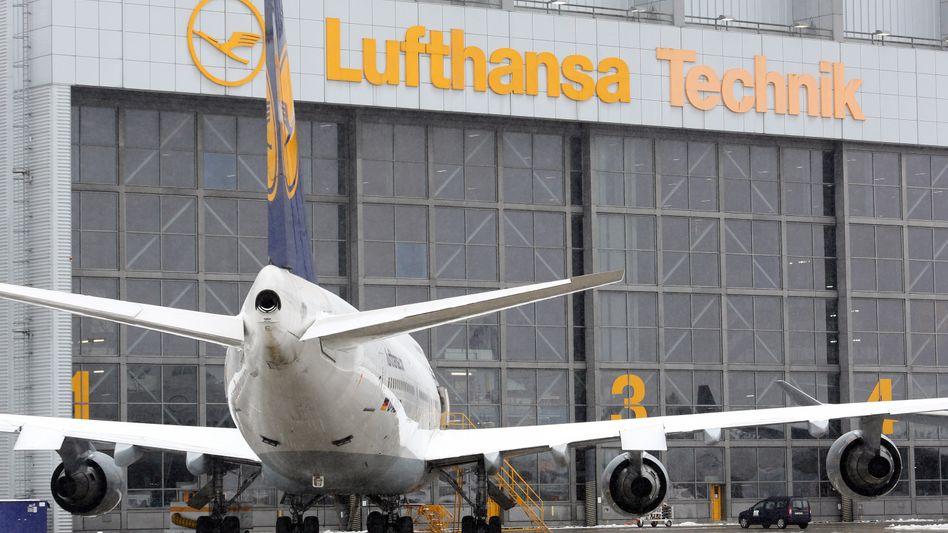 Halle der Lufthansa Technik AG in Hamburg