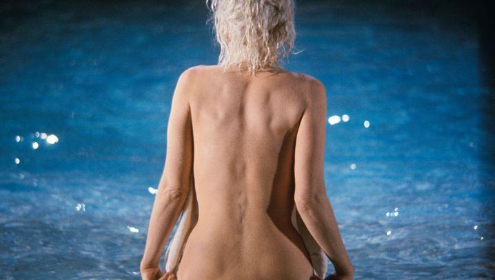 Ihre letzten Fotos: Sexbombe im Pool