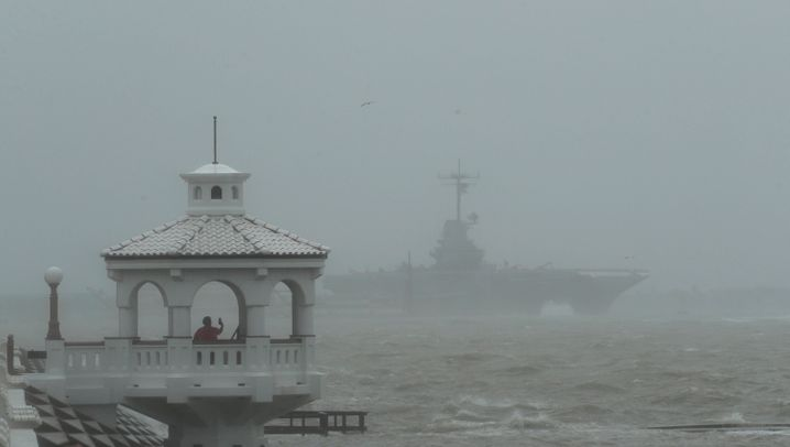 "Sturmfluten, schwerer Regen, zerstörte Boote: Hurrikan ""Hanna"" in Texas"