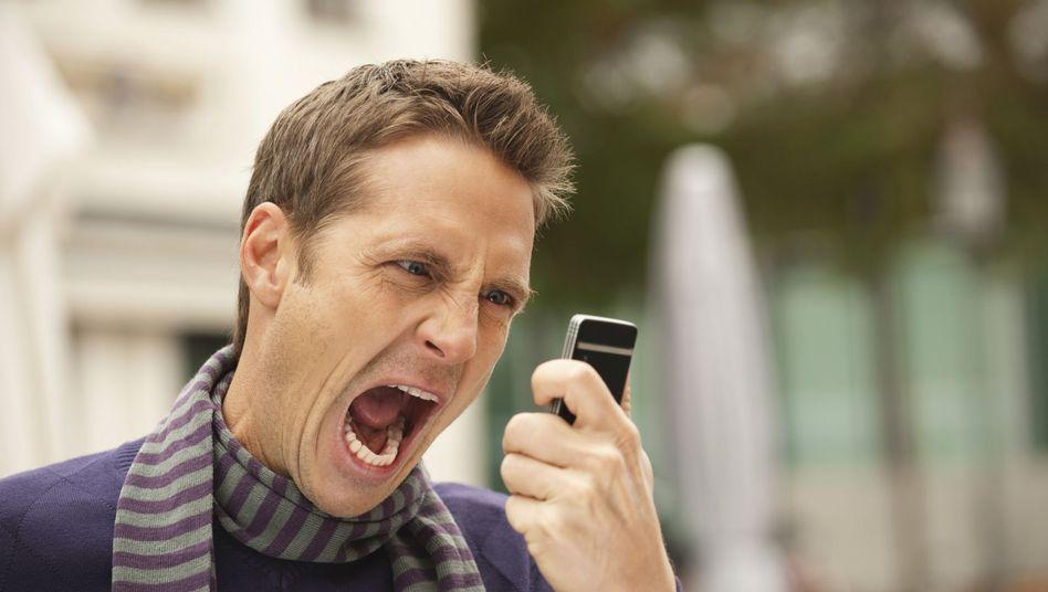 Verzweifelter Handy-Benutzer: Mini-Byte im Mega-Universum