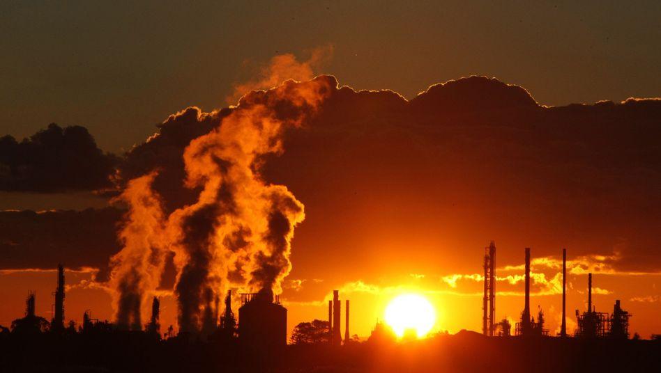 Abgase einer australischen Fabrik: Rückkopplungseffekte kleiner als bisher vermutet