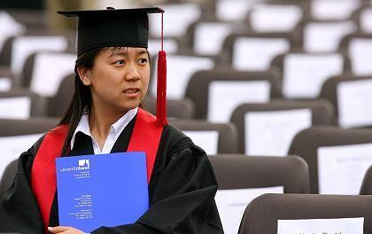 Absolventin der Uni Bonn: 150 Euro Betreuungsgebühr für ausländische Studenten
