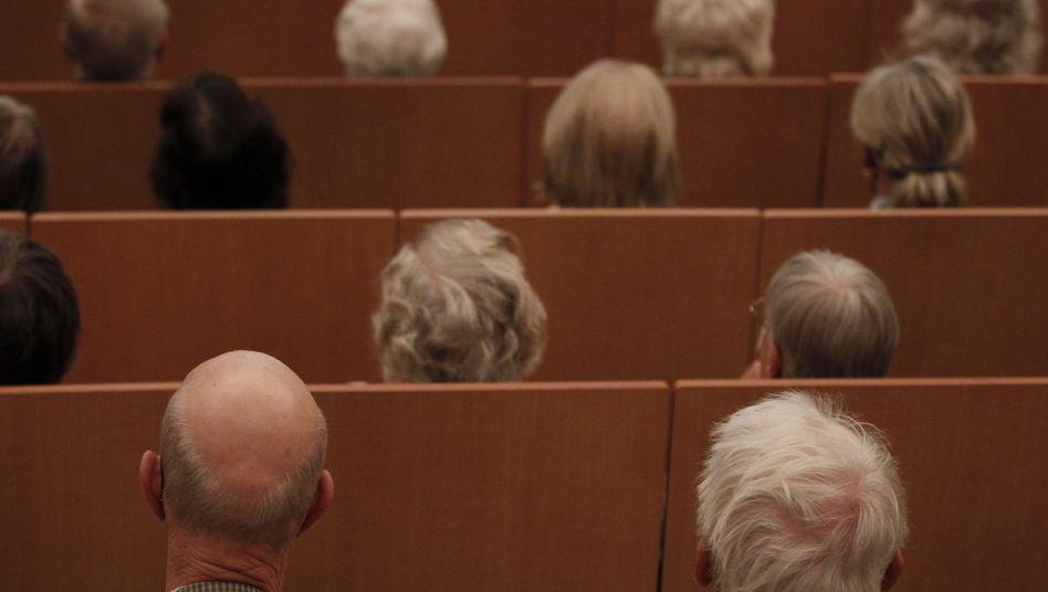 Seniorentag in Hamburg: Deutlich mehr Geld für Rentner