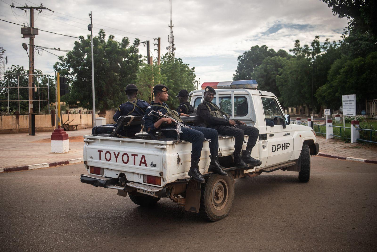 Sicherheitskräfte im Niger