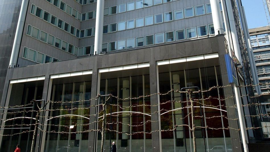 Unilever-Zentrale (in Rotterdam): Mini-Salamis mit Metallteilchen
