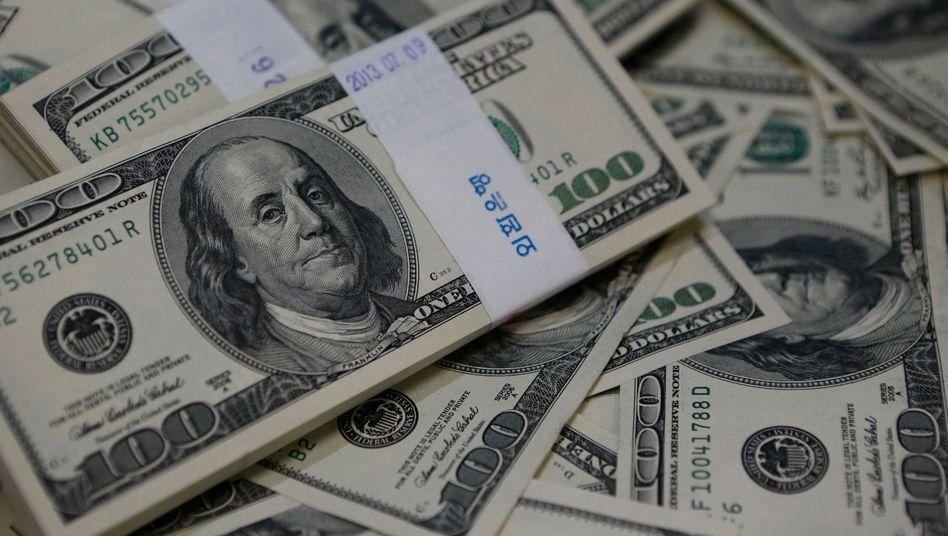 100-Dollar-Scheine (Archivbild): Wie viel Steuern haben Amerikas Superreiche in den vergangenen Jahren gezahlt?