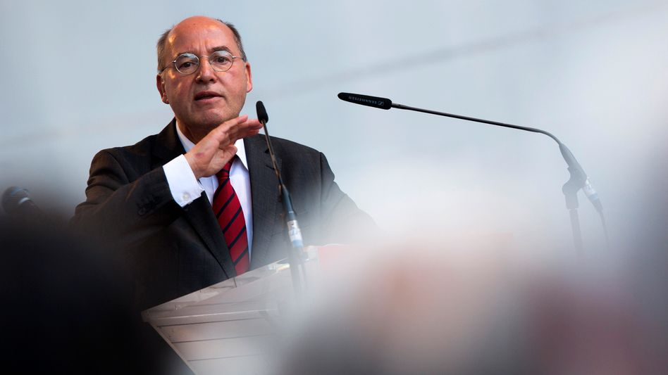 Linken-Fraktionschef Gysi: Bis in den Vorraum einer Toilette verfolgt