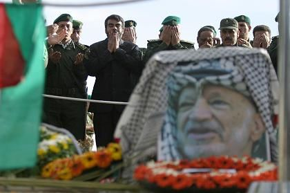 Trauer am Grab Arafats: Hunderte kam zu stillen Gebet