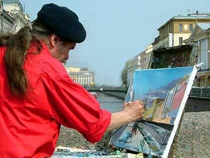 Maler im Zentrum von St. Petersburg: Seit der 300-Jahr-Feier strahlt die Stadt im alten Glanz