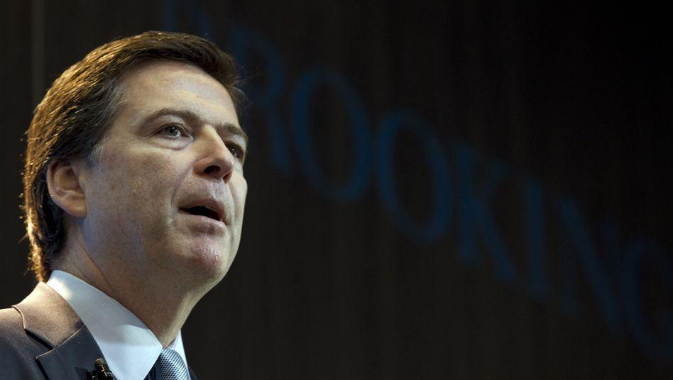 FBI-Chef James Comey: Drängt Unternehmen zum Einbau von Abhörmechanismen in Gadgets und Software