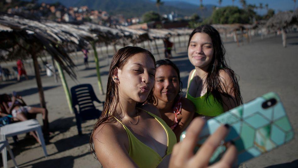 Gefährliche Selfies? In Italien soll Software in Zukunft Social-Media-Profile mit Angaben aus Steuererklärungen abgleichen