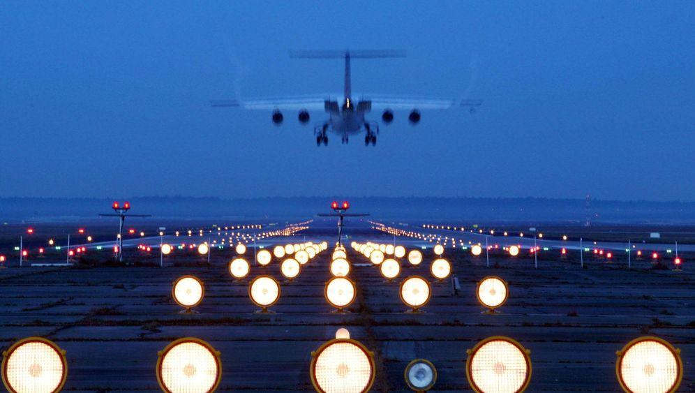 Flughafen Frankfurt: Umstrittene Ausbauentscheidung