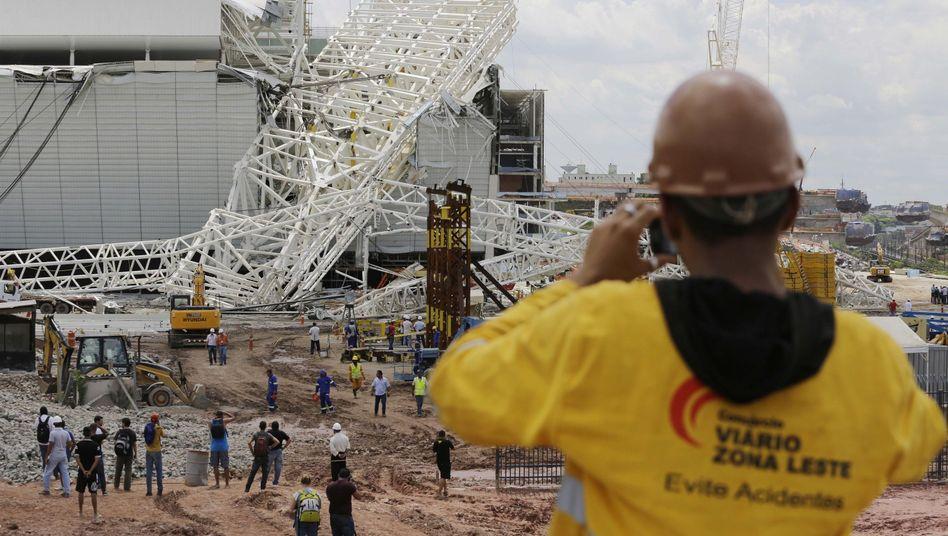 WM 2014 in Brasilien: Tote bei schwerem Unfall auf Stadionbaustelle