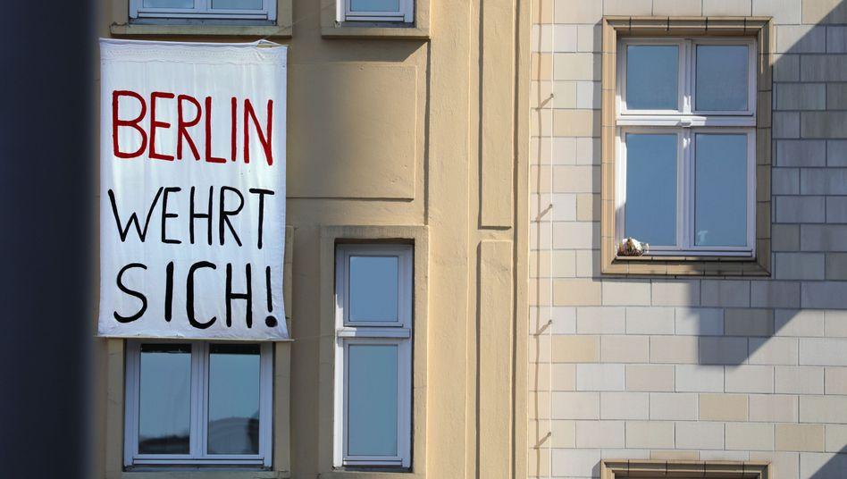 Proteste an der Karl-Marx-Allee in Berlin