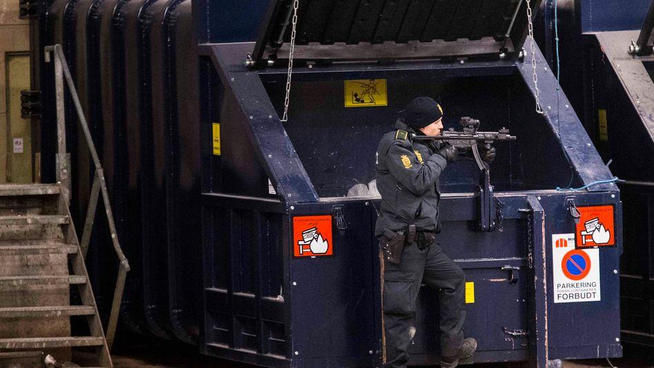 Polizist in Kopenhagen: Tote und Verletzte bei Anschlägen