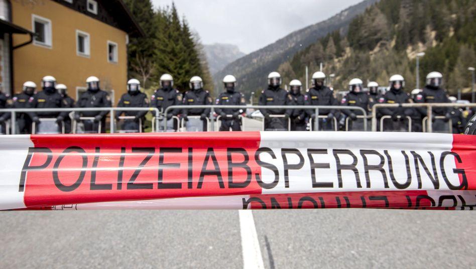 Polizisten am Brenner