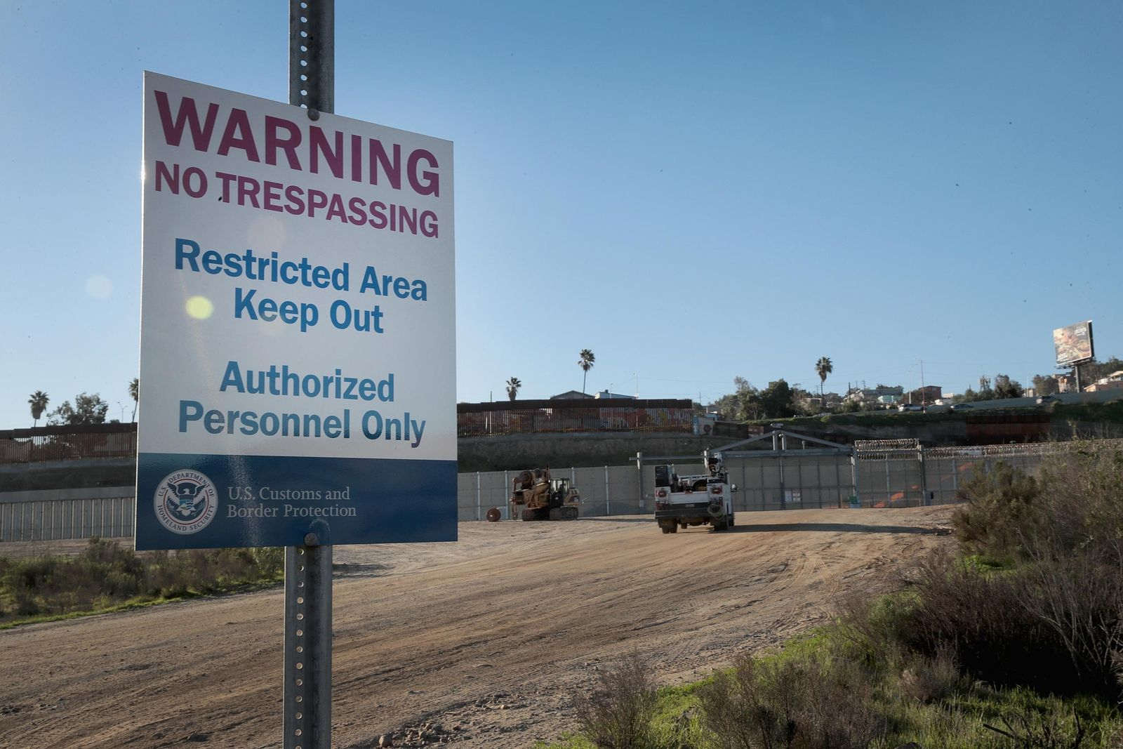 US-BORDER-WALL-FUNDING-THE-FOCUS-OF-CONTINUED-PARTIAL-GOVERNMENT