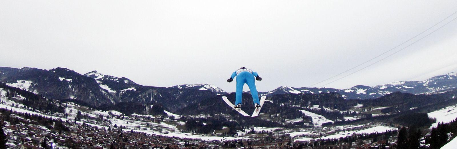 SKI JUMPING/HILLS
