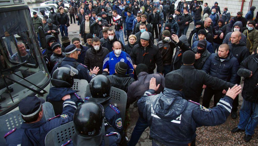 Ukraine: Aufmarsch der Separatisten