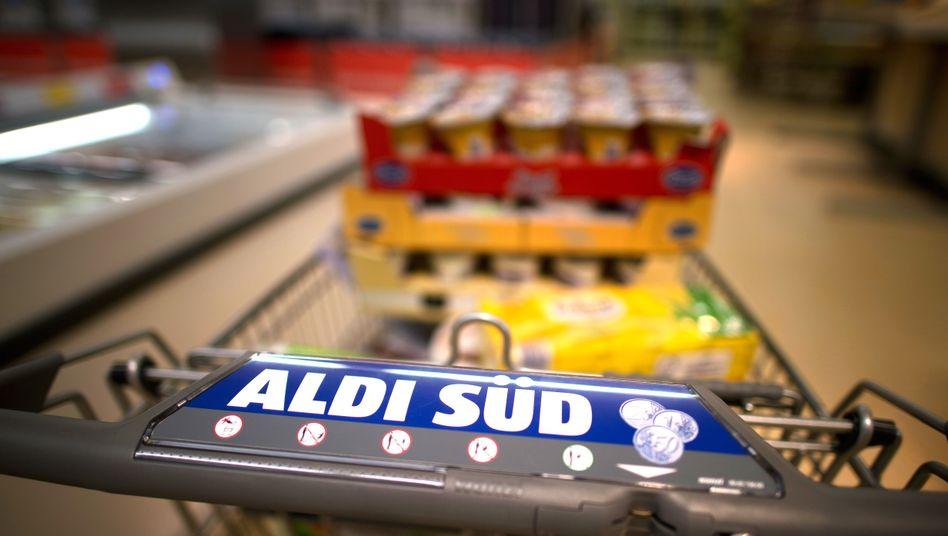 Einkaufswagen von Aldi Süd: Mit Panini-Bildern auf Kundenfang