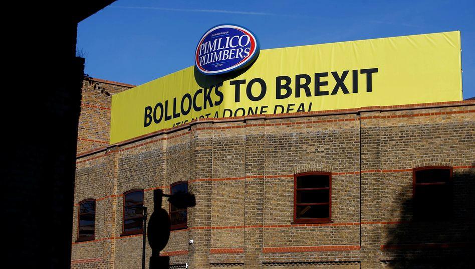 Ein Sanitärunternehmen in London macht Stimmung gegen den Brexit
