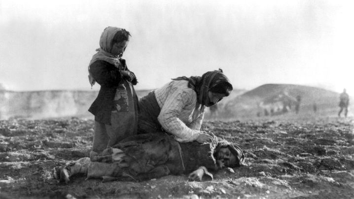 """Völkermord an den Armeniern: """"Sie schneiden den Männern die Kehle durch"""""""