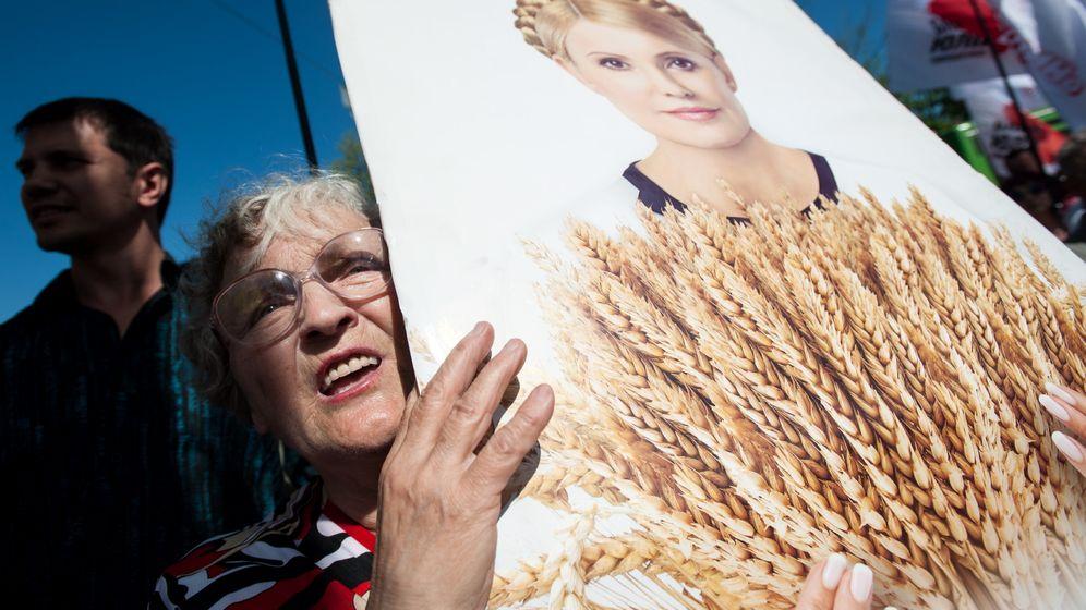 Photo Gallery: Merkel Ups the Pressure on Ukraine