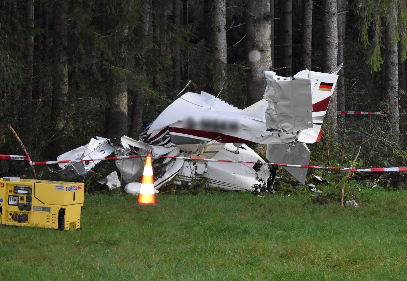 Kleinflugzeug stürzt im Ostallgäu ab