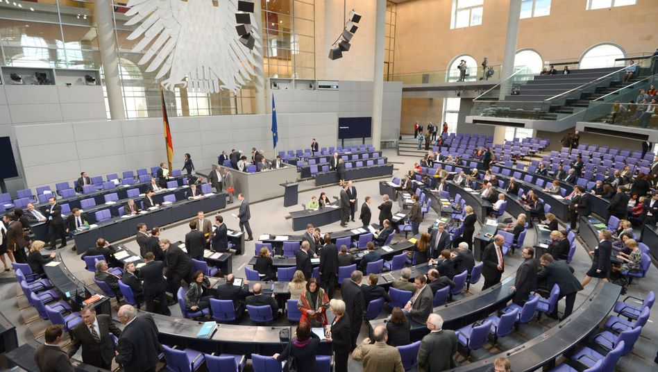 The Bundestag wants a say in the euro rescue efforts.