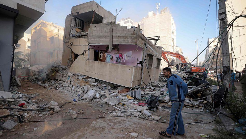 Wohnviertel in Gaza nach Angriffen Israels am Wochenende: Der Raketenbeschuss zwischen Israel und der radikalislamischen Hamas geht weiter