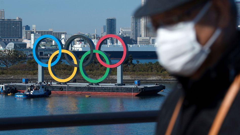 Olympia-Logo in Tokio (im Dezember 2020)
