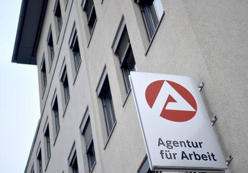 Agentur für Arbeit in Gelsenkirchen: Stimmung am Arbeitsmarkt hellt sich laut Umfrage langsam auf