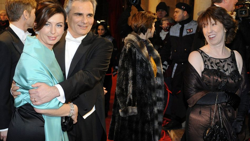 Austrian Chancellor Werner Faymann (second from left) and his wife and EU Foreign Affairs Commissioner Catherine Ashton at the Vienna Opera Ball: No interest in foreign policy?