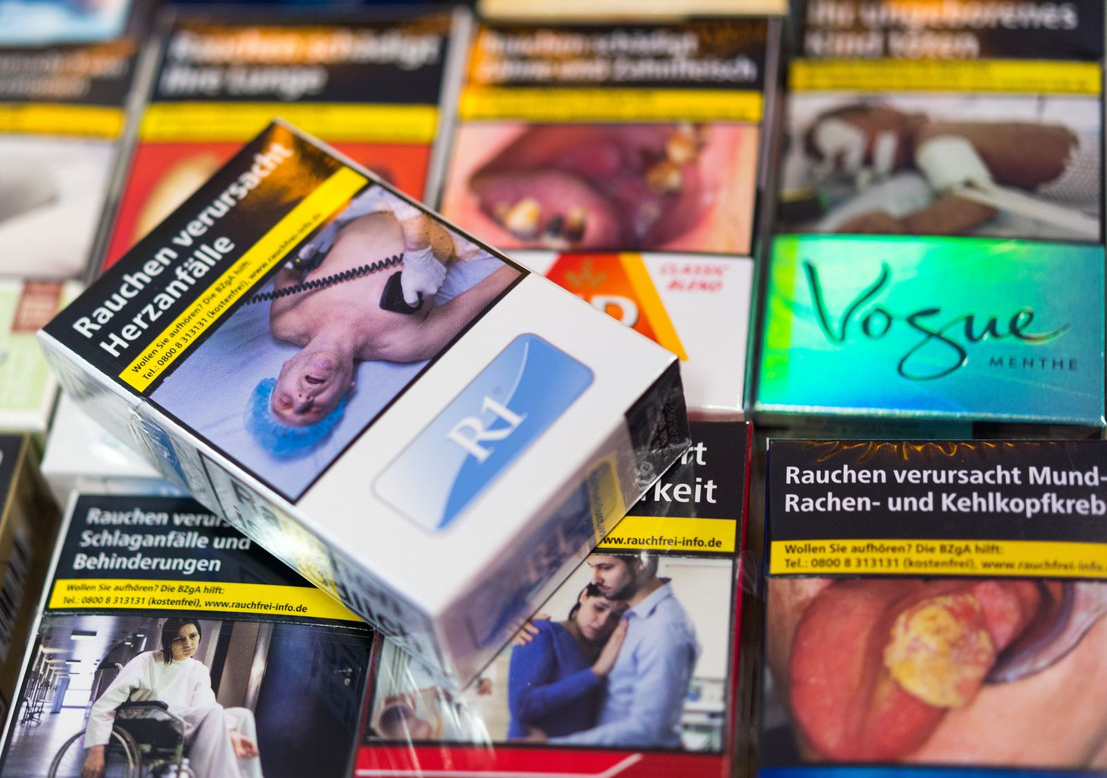 Schockbilder / Zigaretten/ Zigarettenschachteln
