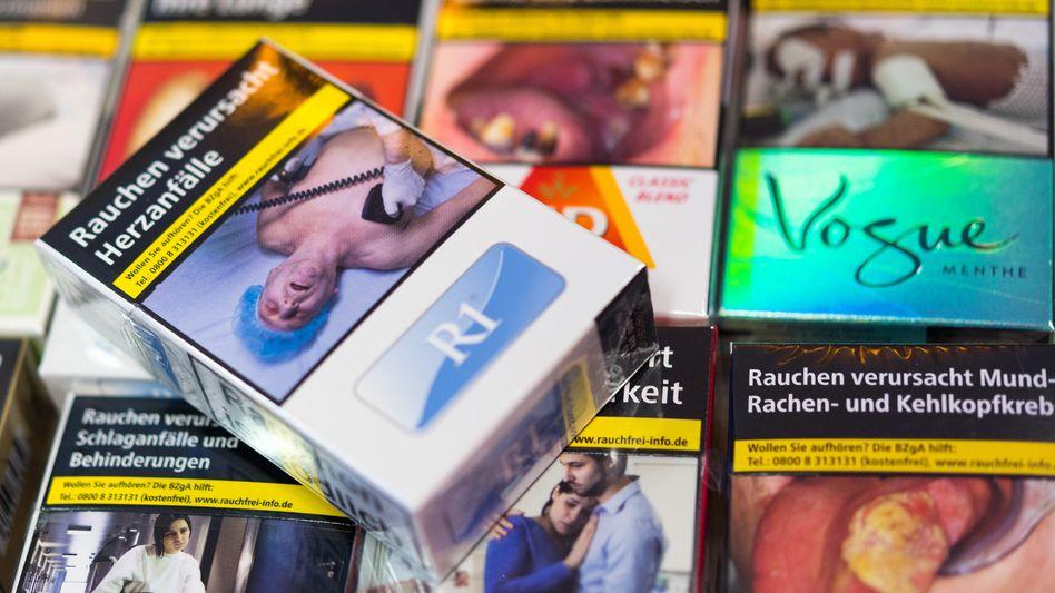 Zigarettenschachteln mit Schockbildern