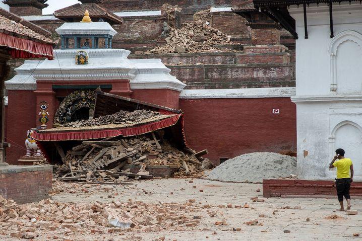 Zerstörte Tempelanlage auf dem Durbar-Platz