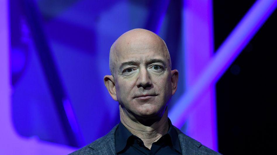 Jeff Bezos bei der Präsentation des Mondlandegeräts »Blue Moon«