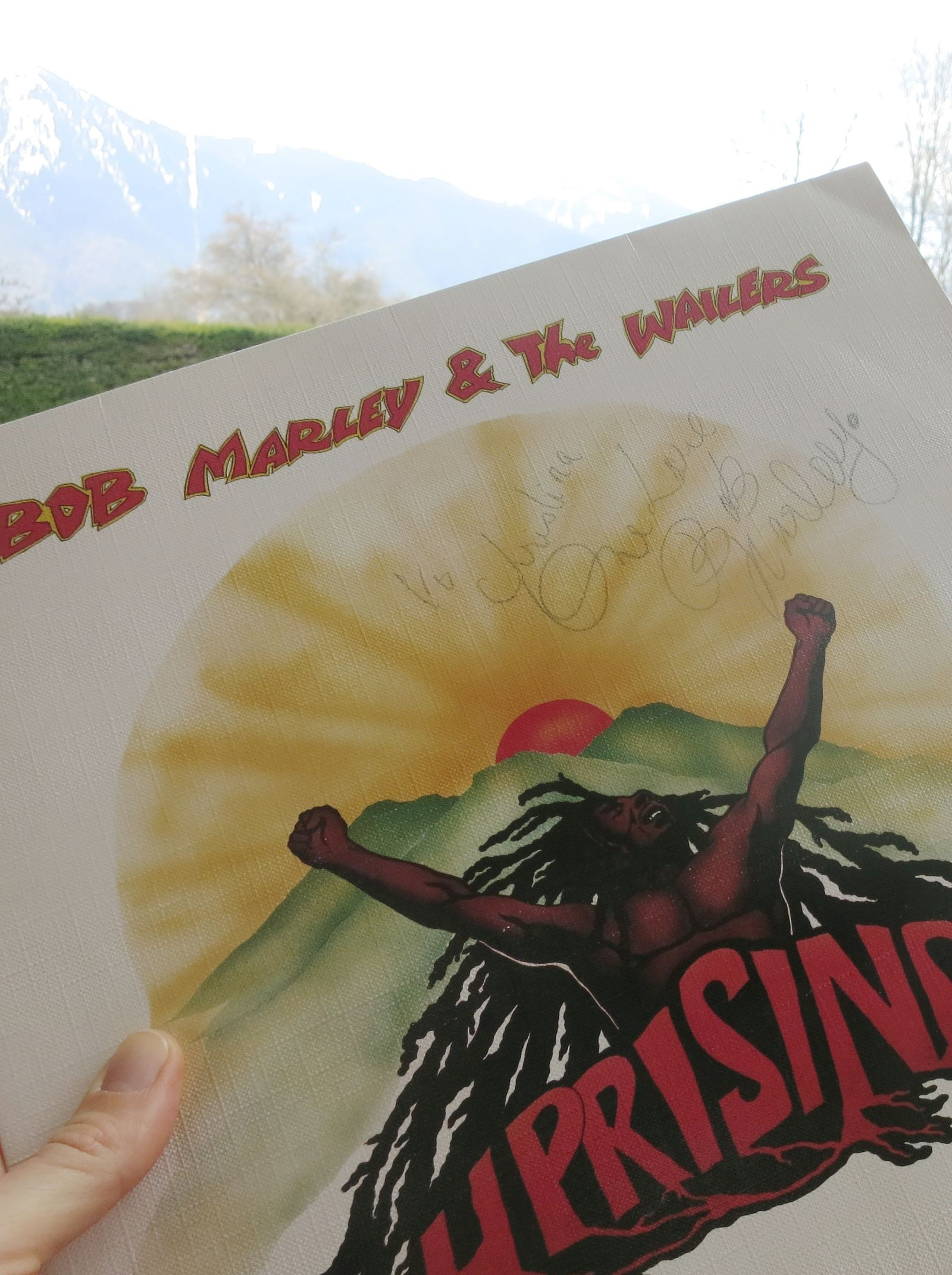 To Christina One Love Bob Marley Signiertes Uprising-Album ©Stephan Kroener zugeschnitten_