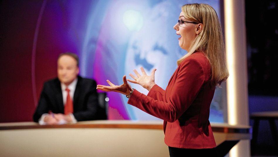 »heute-show«-Szene mit Oliver Welke, Martina Hill