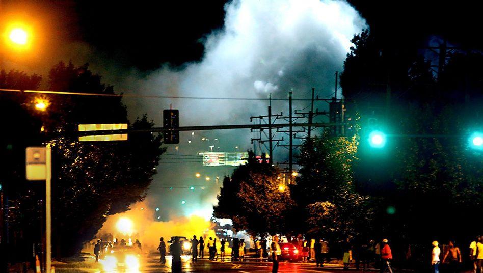 Ferguson in Missouri: Ausschreitungen nach Tod von schwarzem Teenager