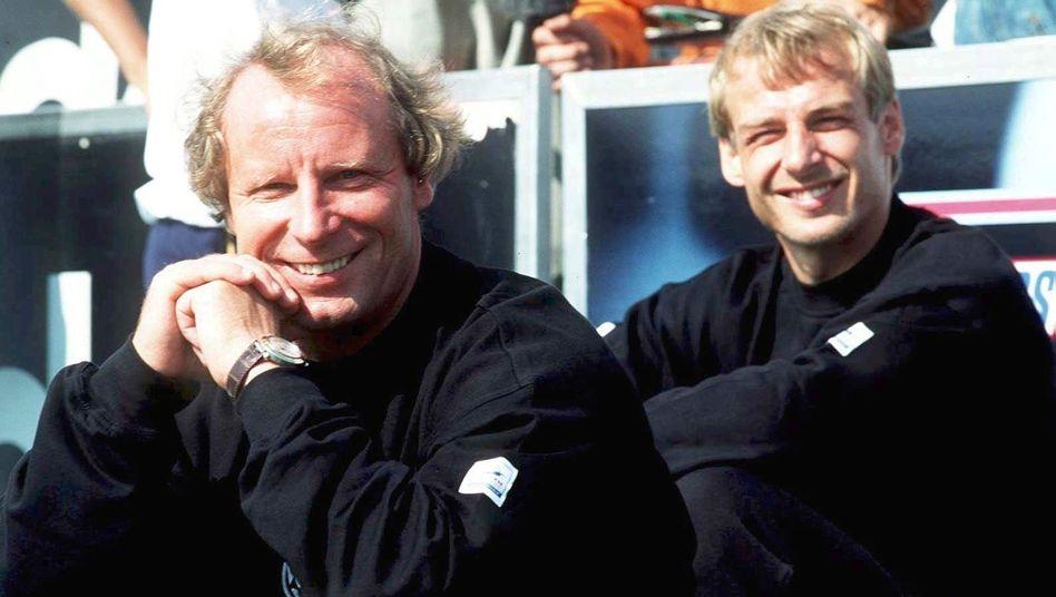 """Trainer Aserbaidschans und Klinsmann-Berater Berti Vogts (l.): """"Absolut begeistert"""""""