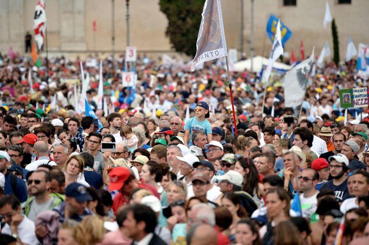 Demo in Rom: Hunderttausende Teilnehmer sind gegen Homo-Ehe