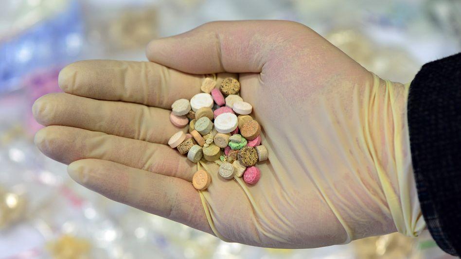 Sichergestellte Ecstasy-Tabletten: Gewinne der Drogenhändler beschneiden