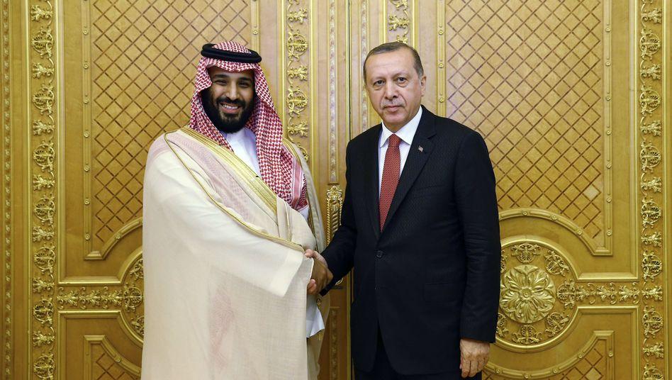 Recep Tayyip Erdogan mit saudischem Kronprinzen Mohammed bin Salman